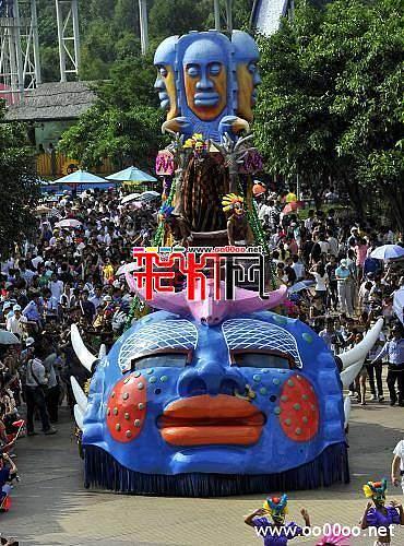 2011广州:欢乐国庆彩车大巡游