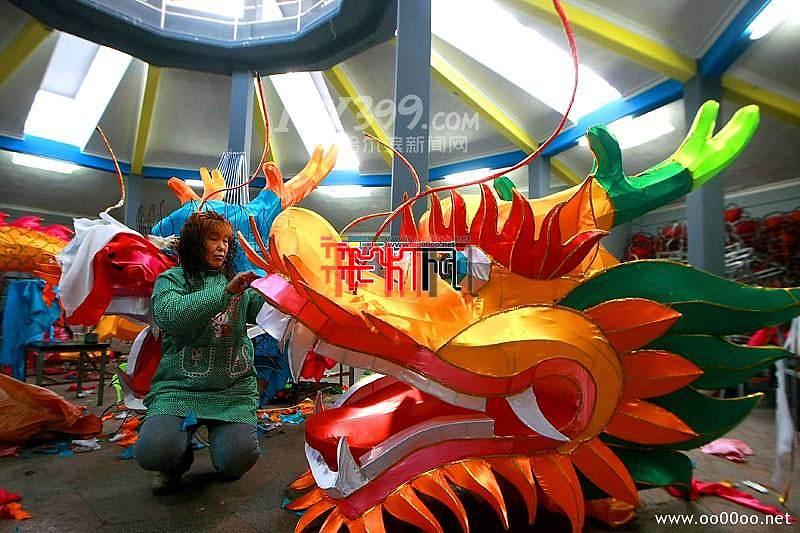 第38届哈尔滨冰灯艺术游园会
