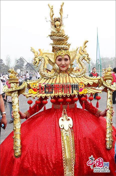 (组图首发)2013年北京园博会12辆花车亮相