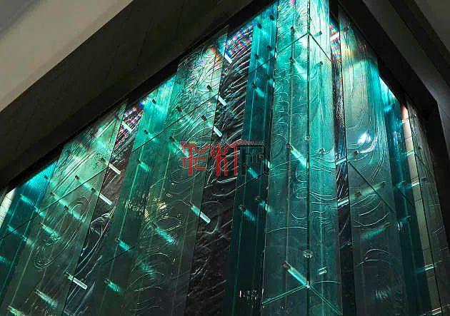 手绘艺术玻璃照明公共艺术