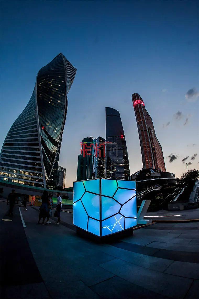 俄罗斯大规模灯光装置