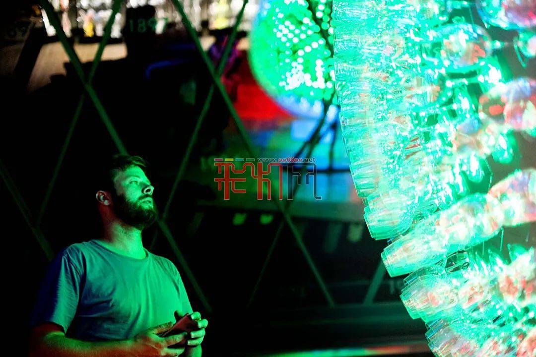 灯光设计-托马斯·沃尔夫Riedel玻璃球